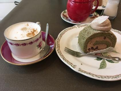 Matcha/chocolate cake!