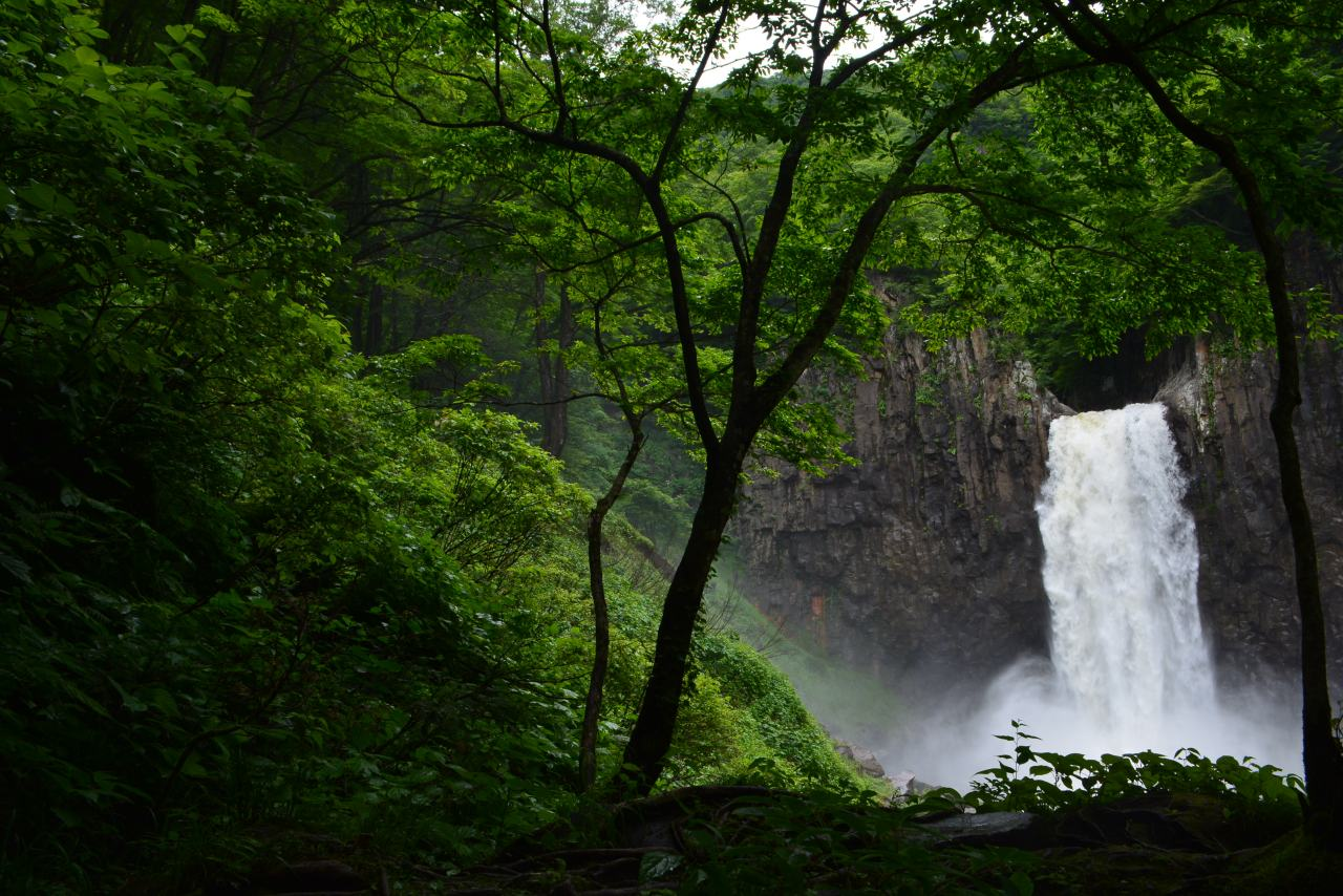Naena Falls —苗名滝