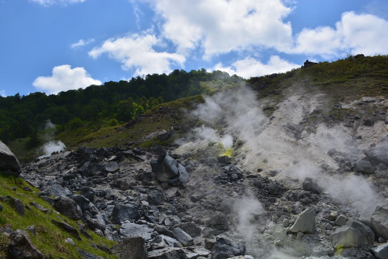 Tamagawa Onsen — A Land of Hokutolite and Fumaroles